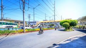 Vista della via accanto del centro città di Alabang nella città di Manila Immagine Stock Libera da Diritti