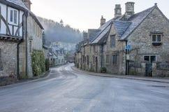 Vista della via in castello storico Combe Fotografie Stock
