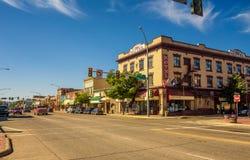Vista della via con i depositi e gli hotel in Kalispell, Montana Fotografia Stock Libera da Diritti