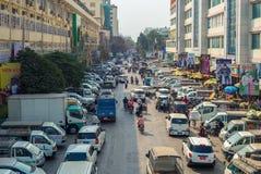 Vista della via del mercato di Zegyo a Mandalay Fotografia Stock Libera da Diritti