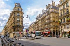 Vista della via della città di Parigi Immagini Stock