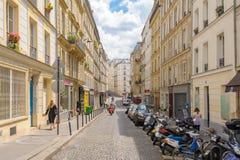 Vista della via della città di Parigi Fotografie Stock Libere da Diritti