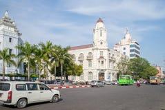 Vista della via della città di Rangoon, Myanmar immagine stock