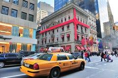 Vista della via della Quinta Avenue di New York City Fotografie Stock