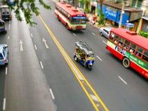Vista della via di Bangkok con   Fotografie Stock Libere da Diritti