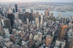 Vista della via di Manhattan dall'Empire State Building in New York immagini stock