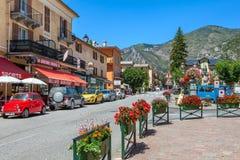 Vista della via di piccolo villaggio francese di Tende Fotografia Stock Libera da Diritti