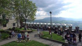 Vista della via di San Marino video d archivio