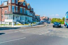 Vista della via a Eastbourne, Sussex orientale, Regno Unito fotografie stock libere da diritti