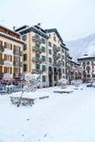 Vista della via nella città di Chamonix-Mont-Blanc, alpi francesi, Francia Fotografie Stock