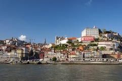 Vista della vicinanza di Ribeira e del fiume del Duero nella città di Oporto, Portogallo Immagini Stock Libere da Diritti