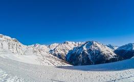Vista delle alpi austriache dal pendio dello sci Fotografia Stock