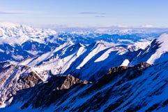 Vista delle alpi austriache dalla cima di un ghiacciaio di Kaprun Immagine Stock