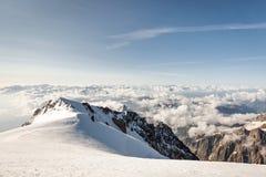 Vista delle alpi dalla cima di Mont Blanc Fotografie Stock Libere da Diritti