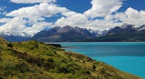 Vista delle alpi del sud sopra il lago Pukaki (Nuova Zelanda) Fotografia Stock