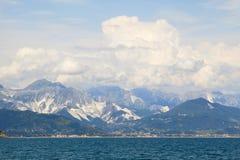 Vista delle alpi di Apuane Fotografie Stock Libere da Diritti