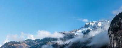 Vista delle alpi di Bernese da Lauterbrunnen. La Svizzera. Panora Fotografie Stock Libere da Diritti