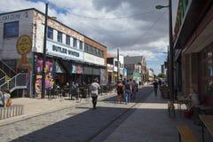Vista delle barre e dei caffè sulla via di Humber, Kingston sopra il guscio, Uni fotografia stock libera da diritti