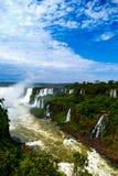 Vista delle cascate di Iguazu dall'Argentina immagine stock