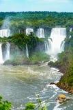 Vista delle cascate di Iguazu dall'Argentina immagini stock