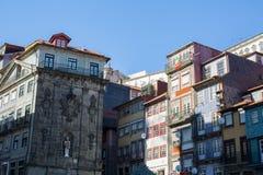 Vista delle case nel centro storico di Oporto Fotografie Stock