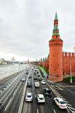 Vista dell'argine di Kremlin a Mosca Immagini Stock
