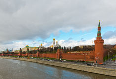 Vista dell'argine di Kremlin a Mosca Immagine Stock