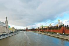 Vista dell'argine di Kremlin a Mosca Immagini Stock Libere da Diritti