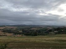 Vista delle colline di Rimini con le tempeste, da quelle di Pesaro fotografia stock