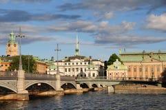 Vista delle costruzioni nella città di Stoccolma, Svezia fotografia stock libera da diritti