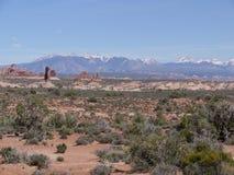 Vista delle formazioni rocciose e delle montagne dell'Utah, U.S.A. Fotografie Stock Libere da Diritti