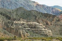 Vista delle forme curiose delle montagne dentro Fotografia Stock Libera da Diritti