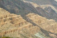 Vista delle forme curiose delle montagne dentro Fotografie Stock