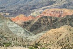 Vista delle forme curiose delle montagne dentro Fotografia Stock
