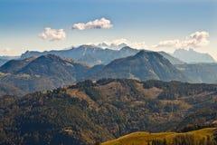 Vista delle montagne in alpi austriache immagini stock libere da diritti