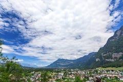 Vista delle montagne delle alpi dal castello di Gutenberg, Liechtenst Fotografie Stock