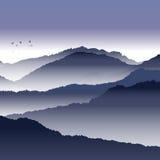 Vista delle montagne blu Fotografie Stock