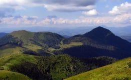 Vista delle montagne carpatiche Fotografia Stock