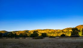 Vista delle montagne costiere in Garland Regional Park fotografie stock libere da diritti