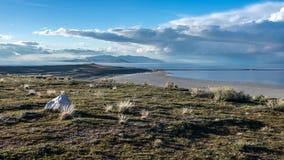 Vista delle montagne dall'isola dell'antilope fotografie stock