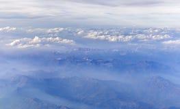 Vista delle montagne dell'Italia dall'aeroplano Immagine Stock Libera da Diritti