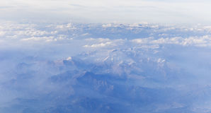 Vista delle montagne dell'Italia dall'aeroplano Fotografie Stock Libere da Diritti