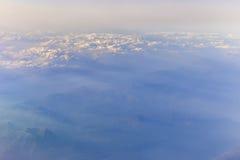 Vista delle montagne dell'Italia dall'aeroplano Fotografia Stock