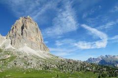 Vista delle montagne delle alpi della dolomia bella Immagini Stock