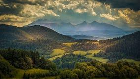 Vista delle montagne di Tatra dall'itinerario a tre corone Fotografia Stock Libera da Diritti