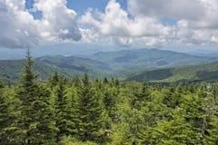 Vista delle montagne fumose dalla cupola di Clingman Fotografia Stock