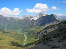 Vista delle montagne nelle alpi svizzere Immagine Stock Libera da Diritti