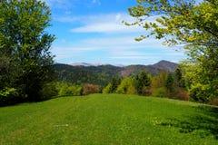 Vista delle montagne in primavera Fotografia Stock Libera da Diritti