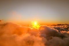 Vista delle nuvole dall'alta montagna Immagine Stock