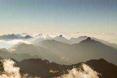 Vista delle nuvole dall'alta montagna Immagini Stock